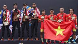 """VĐV xe đạp Malaysia đi tắt,  """"cướp"""" HCV của Việt Nam và Thái Lan"""