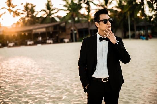Việt Anh tung loạt ảnh như soái ca khiến fan mê mẩn