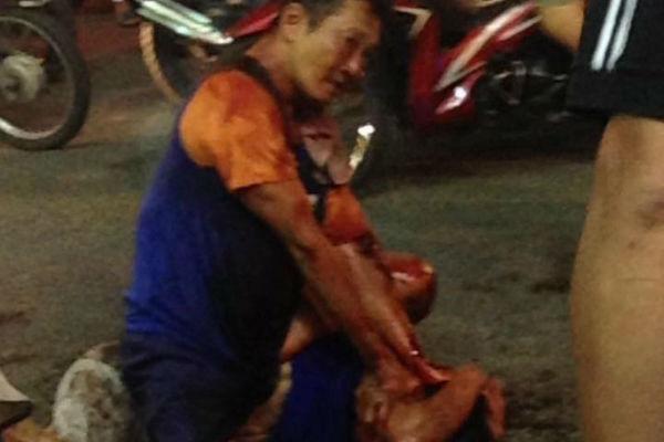 Kẻ nghi ngáo đá đâm gục 2 người ở trung tâm Sài Gòn