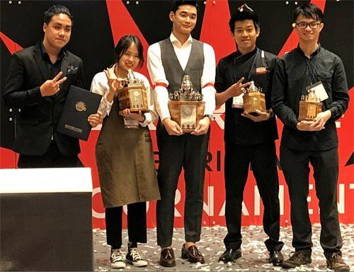 2 chàng trai Việt Nam giành giải pha chế quốc tế 2017