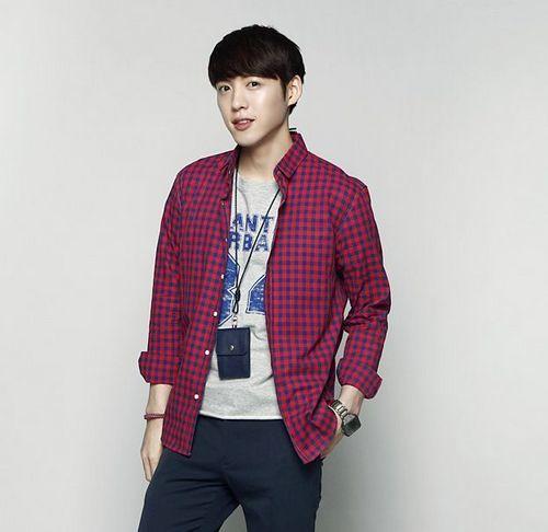 Phái mạnh phối đồ theo phong cách thời trang nam Hàn Quốc