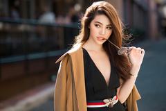 Hoa hậu 'hội con nhà giàu' sang chảnh với set đồ trăm triệu đồng