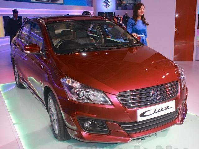 Ô tô Suzuki đẹp như Civic giá 333 triệu