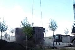 Chiếc xe đứt cáp, rơi trúng người đàn ông