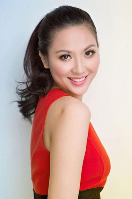 Nhan sắc đáng ngưỡng mộ của Hoa hậu U40 Phan Thu Ngân