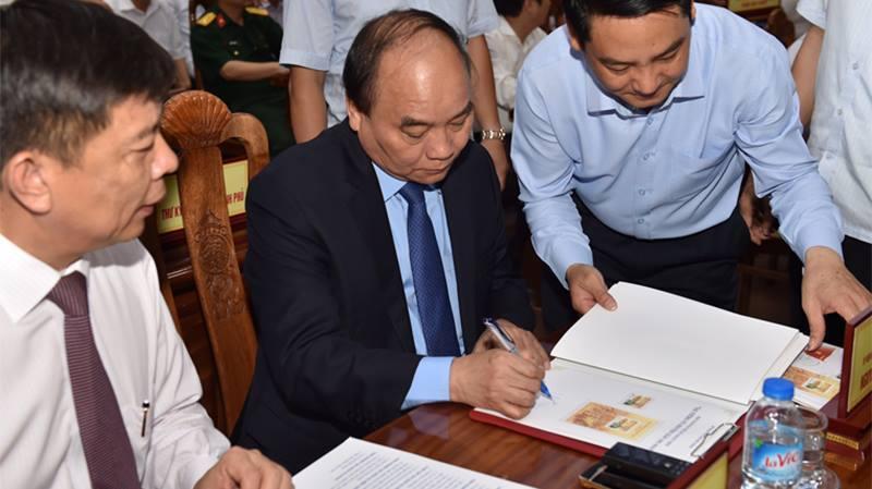 Thủ tướng, Nguyễn Xuân Phúc, Đại tướng Võ Nguyên Giáp, Võ Nguyên Giáp, Bộ trưởng TT&TT;, Trương Minh Tuấn