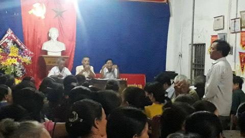 Cuộc họp xóm hiếm có ở Nghệ An