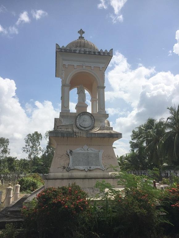 Bí ẩn giai thoại 'ngôi mộ chôn đứng' của Tổng đốc khét tiếng Nam bộ