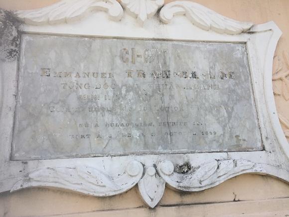 Nghĩa trang,Mộ chôn đứng,Trần Bá Lộc,Thực dân Pháp