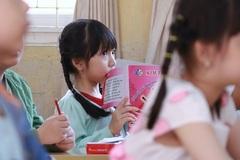 Đến bao giờ Hà Nội hết cảnh 60 học sinh chen chúc trong một lớp?
