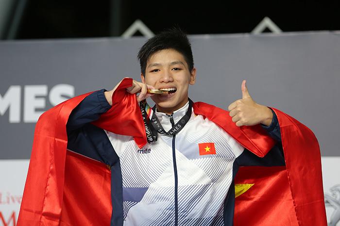 Kình ngư 15 tuổi của Việt Nam gây địa chấn, phá kỷ lục SEA Games