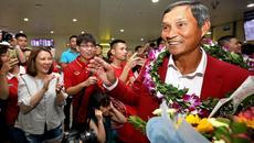 Tuyển nữ Việt Nam trở về trong tâm thế người hùng