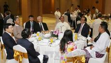 Tổng bí thư gặp các doanh nghiệp hàng đầu Việt Nam và Myanmar