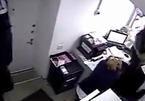 Cướp tấn công ngân hàng từ mái nhà như phim Hollywood
