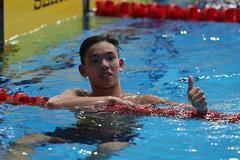 Xem Nguyễn Huy Hoàng giành HCV, phá sâu kỷ lục bơi 1.500m