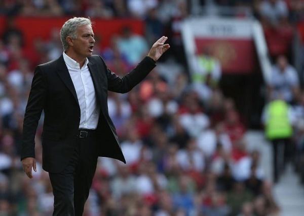 MU vô đối, Liverpool 'chốt bán' Coutinho cho Barca