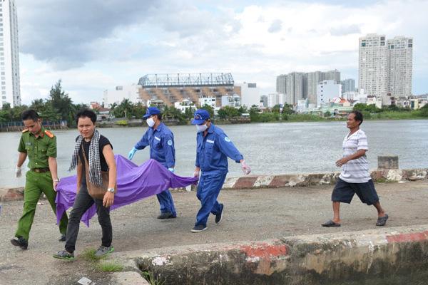 Thi thể cô gái nổi trên sông Sài Gòn