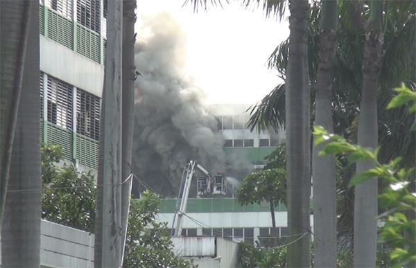 Cháy lớn ở nhà ăn công ty Pouyuen, sơ tán hàng nghìn công nhân