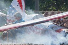 Đoàn phim kinh hãi khi Tom Cruise lái máy bay gãy 1 cánh