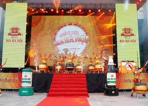 Sôi động ngày hội Bia Hà Nội ở Quảng Trị