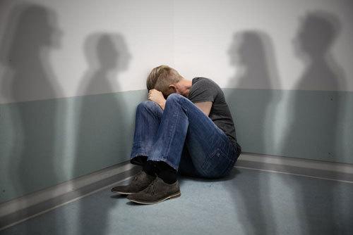 Những triệu chứng của bệnh tâm thần phân liệt