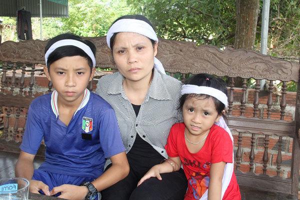 Cha mất, mẹ bệnh tật, ba con thơ nheo nhóc