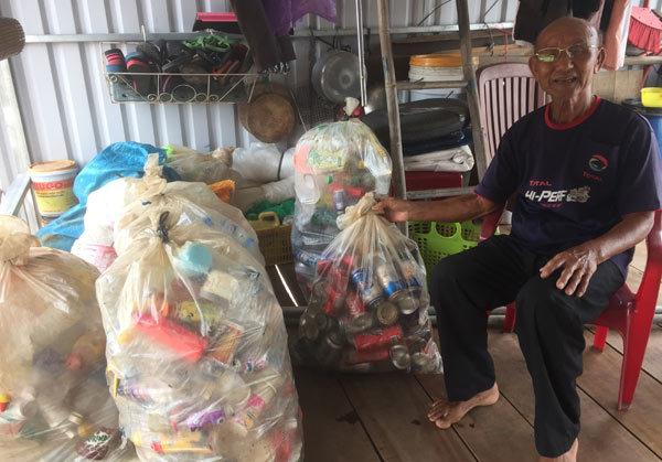 Tình yêu, Người cao tuổi, Sông Đồng Nai, Hoàn cảnh khó khăn