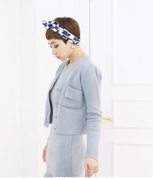 Cô nàng công sở tóc ngắn kết hợp thời trang công sở