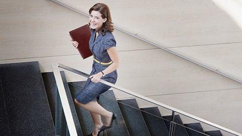 Giảm cân ngay cả khi bạn phải ngồi cả ngày ở văn phòng