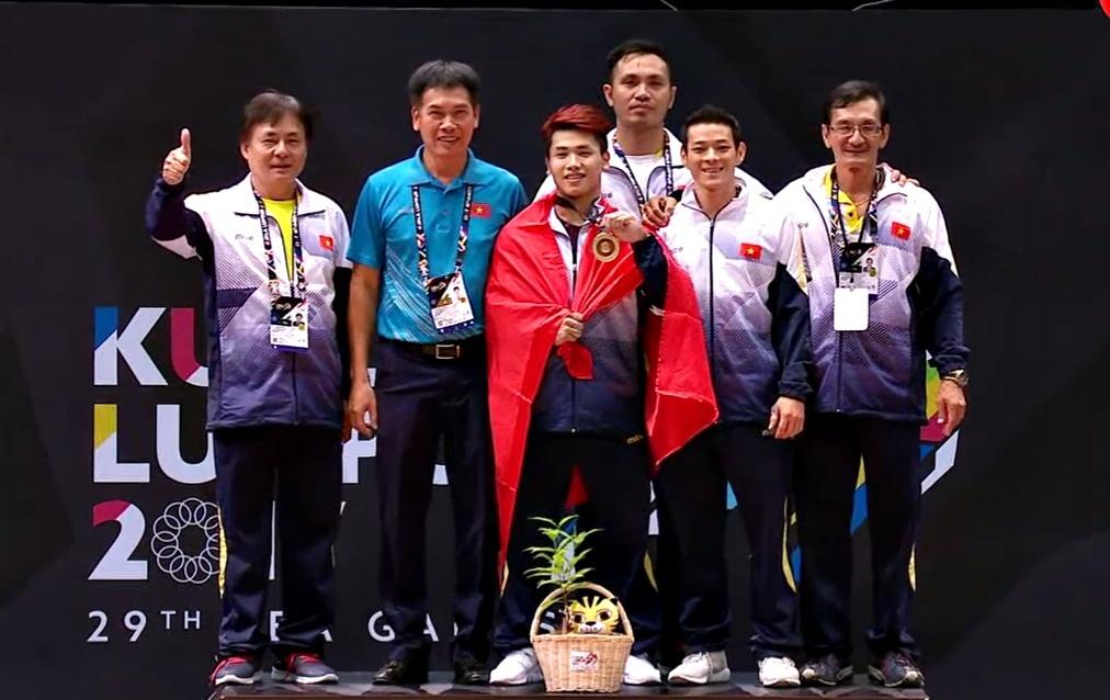 SEA Games 28/8: Trịnh Văn Vinh phá kỷ lục, Việt Nam có HCV thứ 55