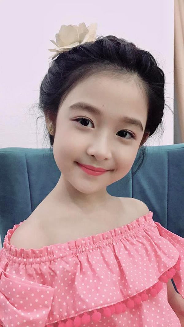 Cô bé được mệnh danh là 'xinh nhất Việt Nam' hát 'Duyên phận' cực đỉnh