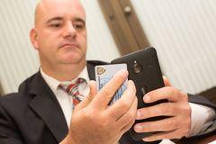Cảnh sát Mỹ phải bỏ 36.000 smartphone Lumia để chuyển sang iPhone