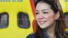 Nữ trưởng đoàn xinh đẹp bật khóc khi U22 Thái Lan đoạt HCV