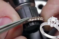 Đây là cách làm ra những chiếc nhẫn kim cương tuyệt đẹp