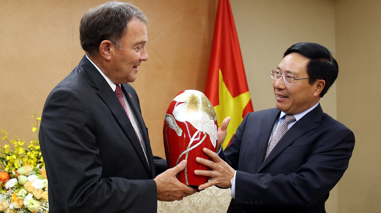 Cuộc gặp giữa Phó Thủ tướng và Thống đốc Mỹ