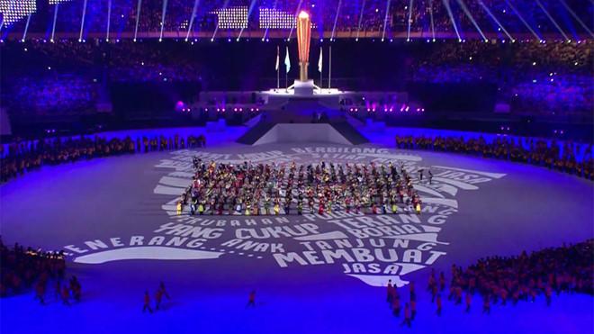 Bế mạc SEA Games 29: Đại nhạc hội, ánh sáng và lung linh sắc màu