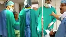 Bác sĩ cãi nhau trong lúc mổ đẻ cho sản phụ