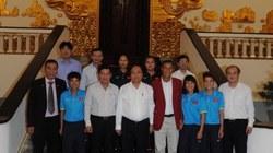 Thủ tướng Nguyễn Xuân Phúc khen ngợi đội tuyển bóng đá nữ Việt Nam