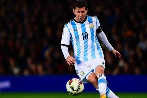 Uruguay 0-0 Argentina phút 59 Messi