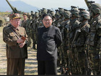 Kim Jong Un liên tục thị sát quân đội trong 2 tháng qua