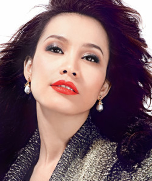 Nhan sắc 'đẹp lạ' của Hoa hậu có nụ cười quyến rũ nhất Việt Nam