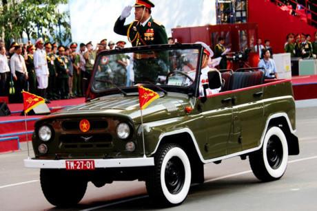 'Huyền thoại' Uaz 469, xe chỉ huy mừng Quốc khánh 2/9
