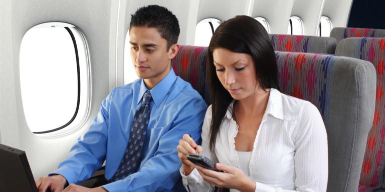 Bí mật đi máy bay mà tiếp viên hàng không giấu kín khách hàng