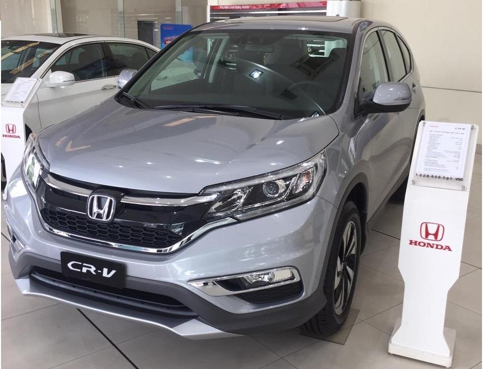 Honda CR-V giảm giá sốc, giá chưa tới 800 triệu đồng