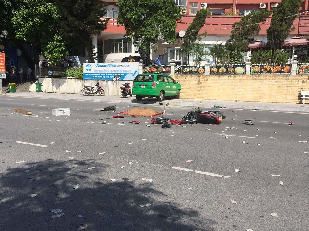 Hai taxi va nhau húc người đàn ông tử vong tại chỗ