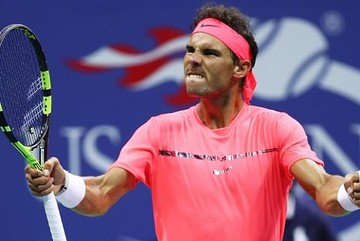 """US Open: Nadal vào vòng 4, """"khiêu chiến"""" Federer"""