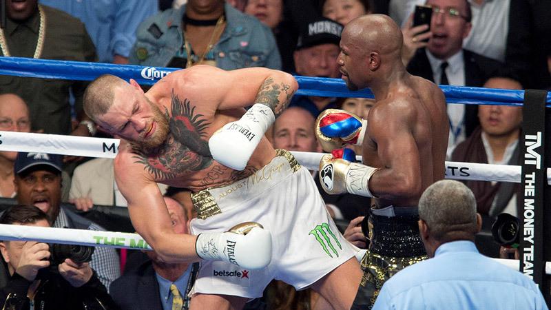 McGregor thừa nhận đánh với Mayweather là trò xiếc