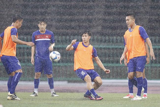 """Hoàng Thịnh không ngán """"Messi' và khán giả Campuchia"""