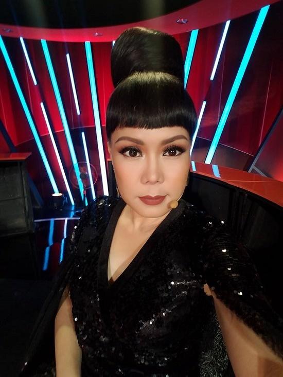Chết cười với hình ảnh Ngô Kiến Huy giả gái thi Hoa hậu