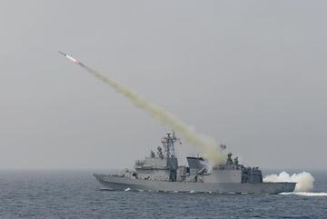 Hàn Quốc tập trận bắn đạn thật trên biển 'dằn mặt' Triều Tiên